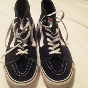 Size 12 Men's  black and white suede hitop  tennis